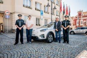 Táborští strážníci kupují elektromobily