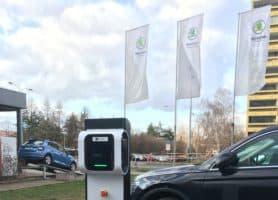 Rébus pro dealery aut zvaný e-mobilita má chytré řešení